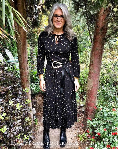 Image of liz in Black dress